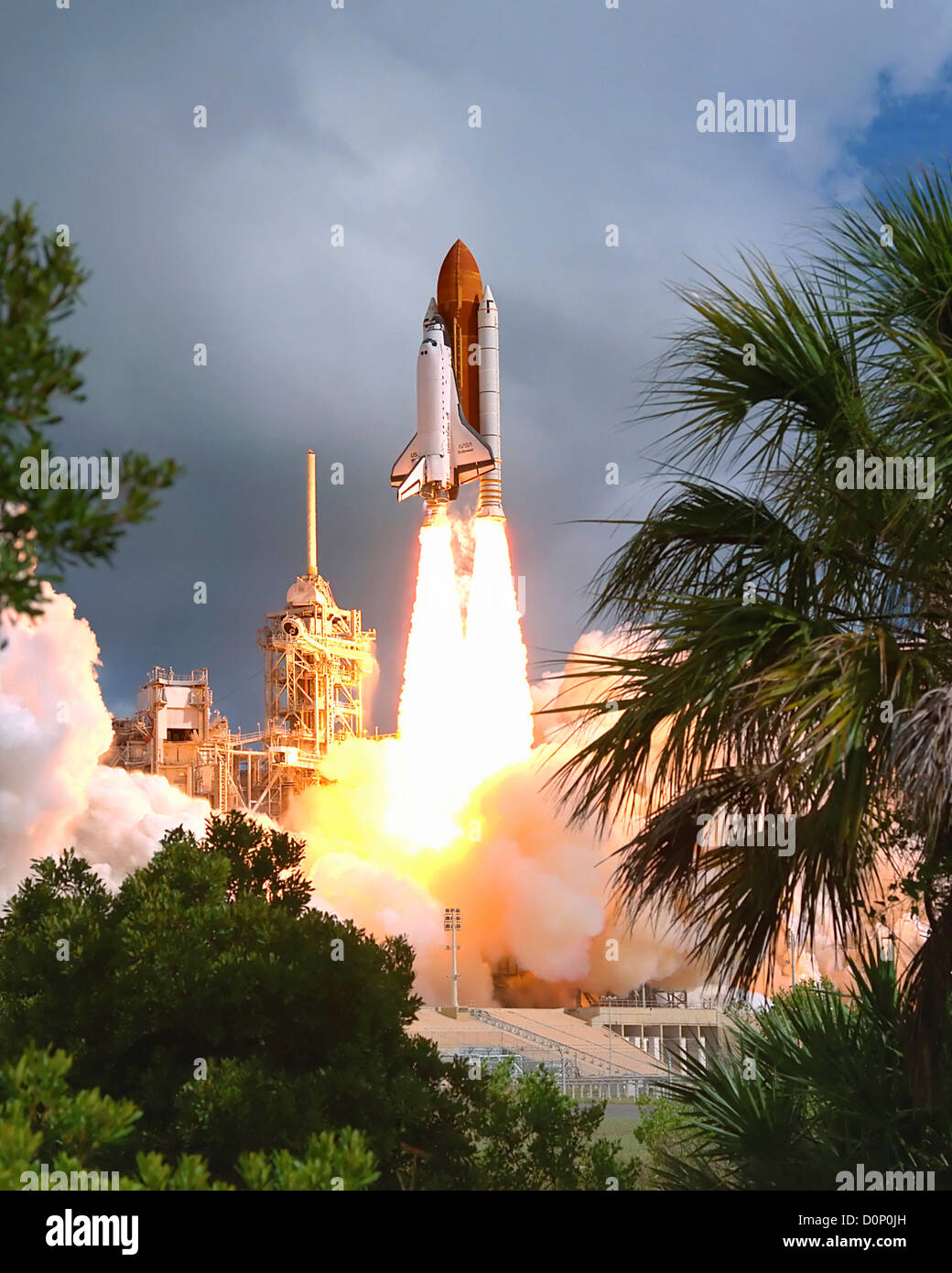 Launch of Space Shuttle Endeavour on STS-57 - Stock Image