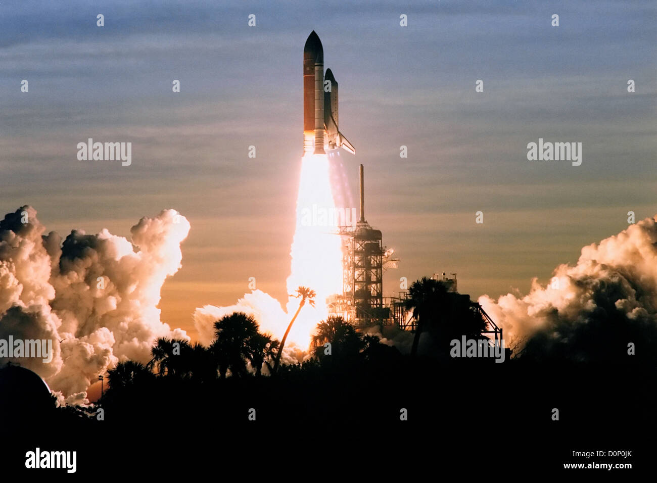 Launch of Space Shuttle Discovery on STS-60 - Stock Image