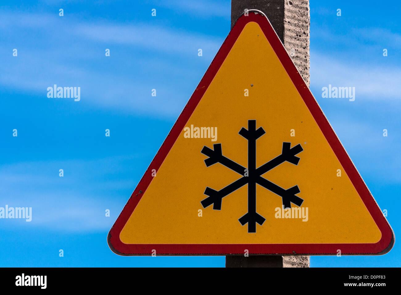 Warning snow - Stock Image