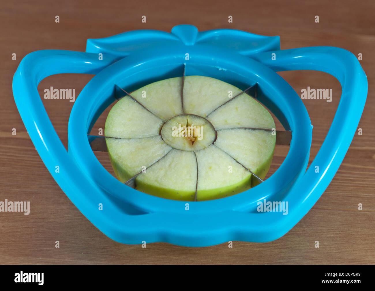 Apple Slicer Stock Photos & Apple Slicer Stock Images - Alamy