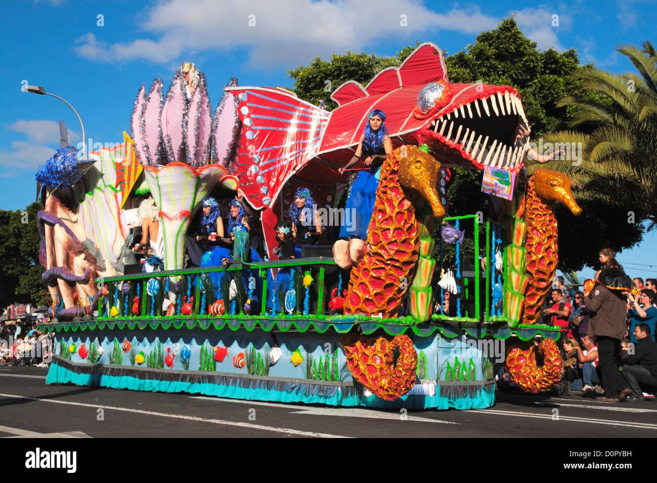 Float In Santa Cruz De Tenerife Carnival Stock Photo 52135541 Alamy