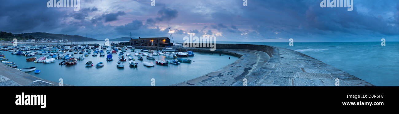 Dawn on the Cobb, Lyme Regis, Jurassic Coast, Dorset, England, UK - Stock Image