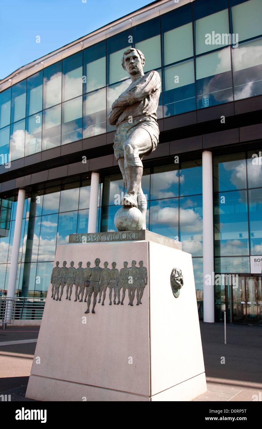 Statue of Bobby Moore at Wembley Football Club, Wembley, London, England, United Kingdom, Great Britain - Stock Image