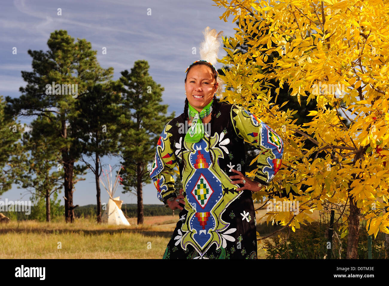 Jasmine Pickner, Oglala, Lakota, Sioux, Rapid City, South Dakota, native indian, indian, costume, feathers, model - Stock Image