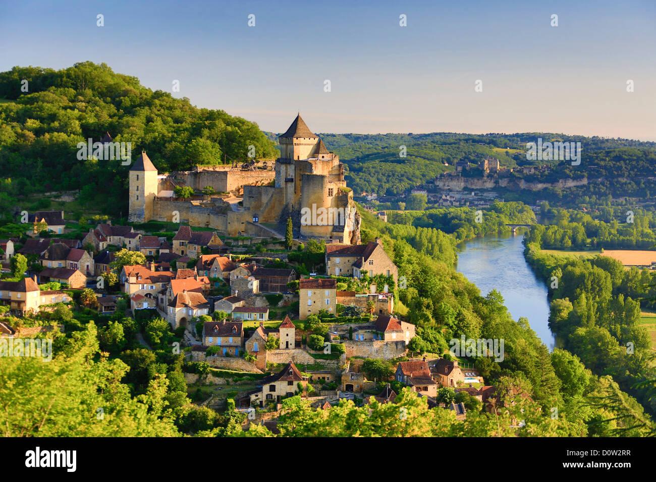 France, Europe, travel, Dordogne, Castelnaud, Milandes, Castle, architecture, medieval, skyline, steep, rocks, tower, Stock Photo