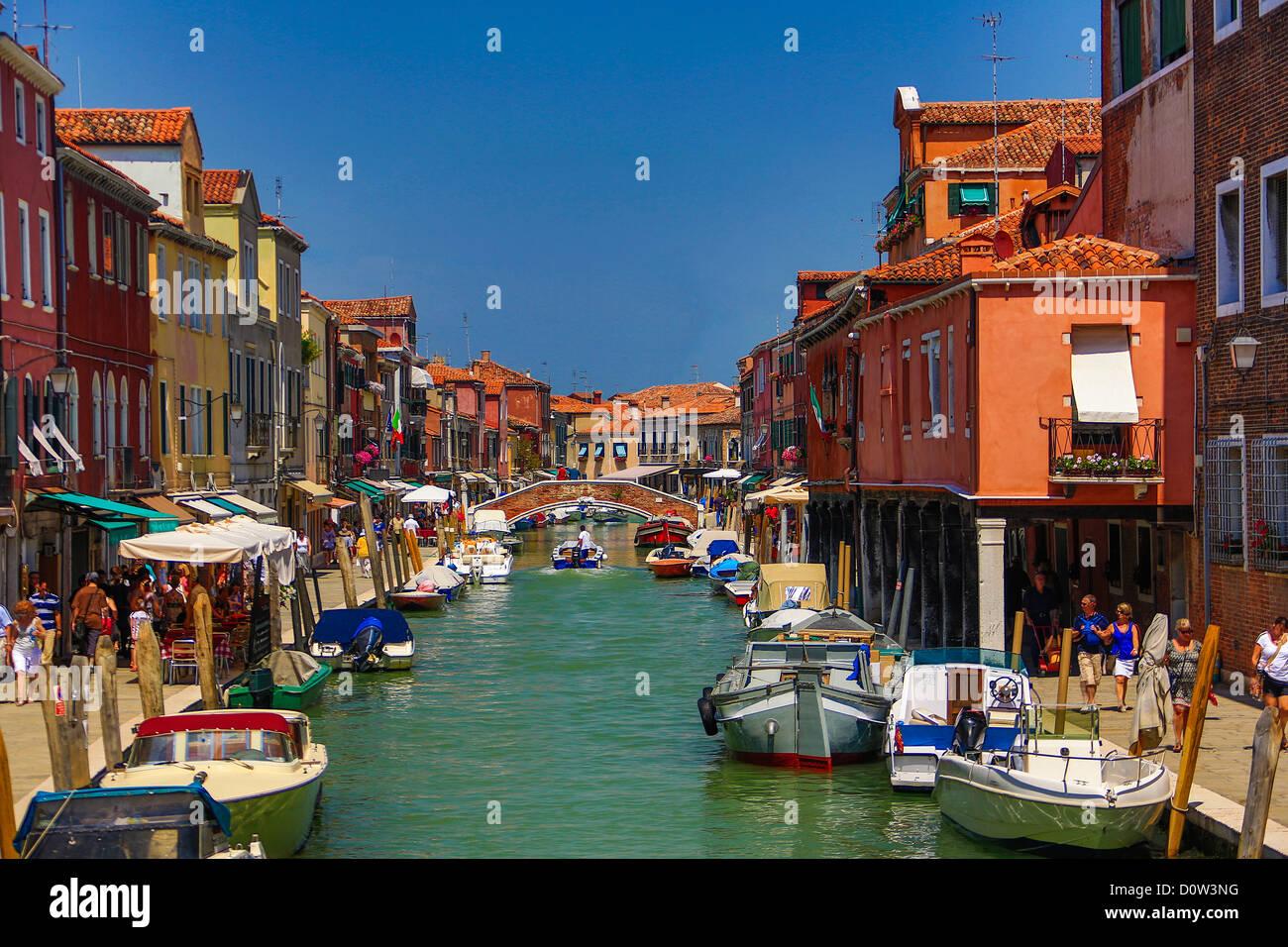Italy, Europe, travel, Murano, Fondamenta dei Vetrai, Canal, boats, Venice - Stock Image