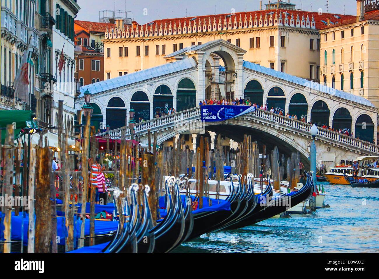 Italy, Europe, travel, Venice, Rialto, Bridge, architecture, boats, canal, colours, gondolas, Canal Grande, tourism, - Stock Image