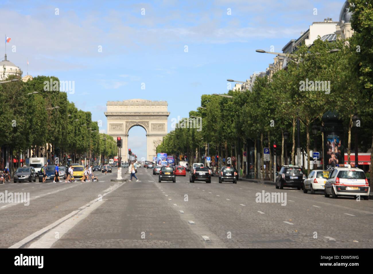 Paris, Europe, France, Champs Elysees, street, avenue, Arc de Triomphe, triumphal arch - Stock Image
