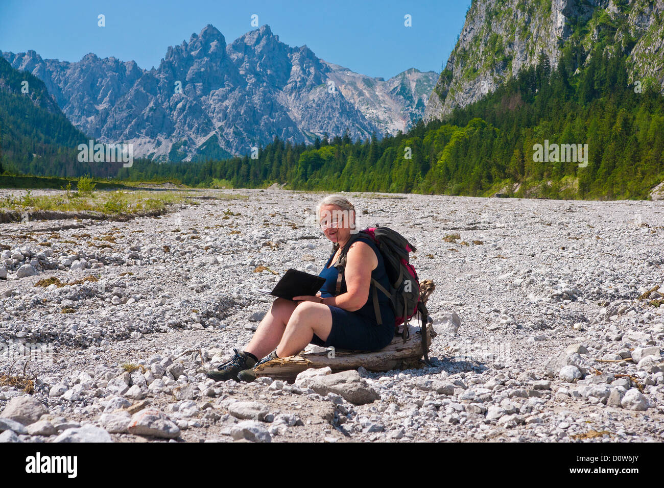 Bavaria, Europe, travellers, traveler, Berchtesgaden, Ramsau, Wimbachgries, Steinmandl, stones, stone, sand, sits, - Stock Image