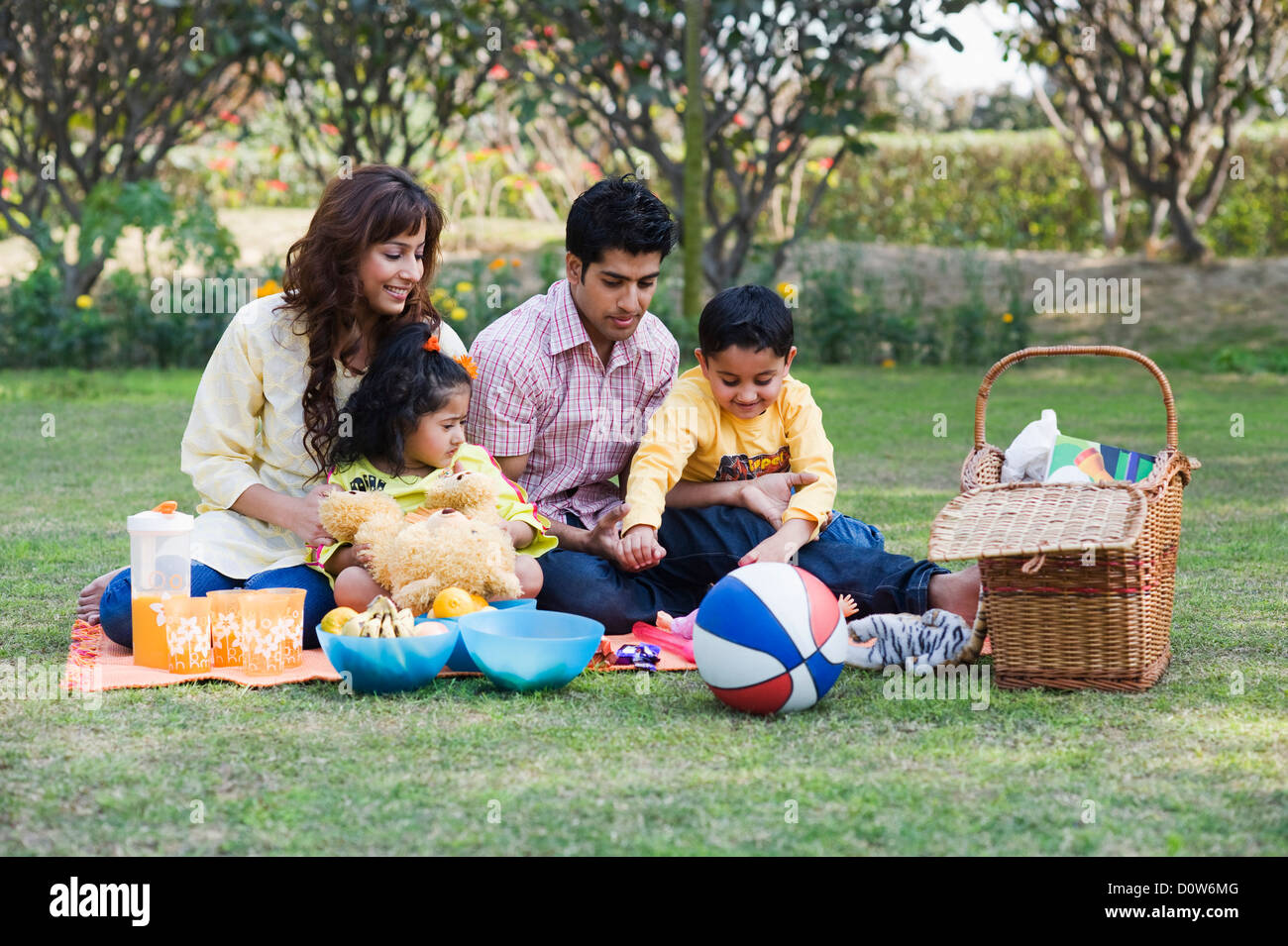 family picnic games in india