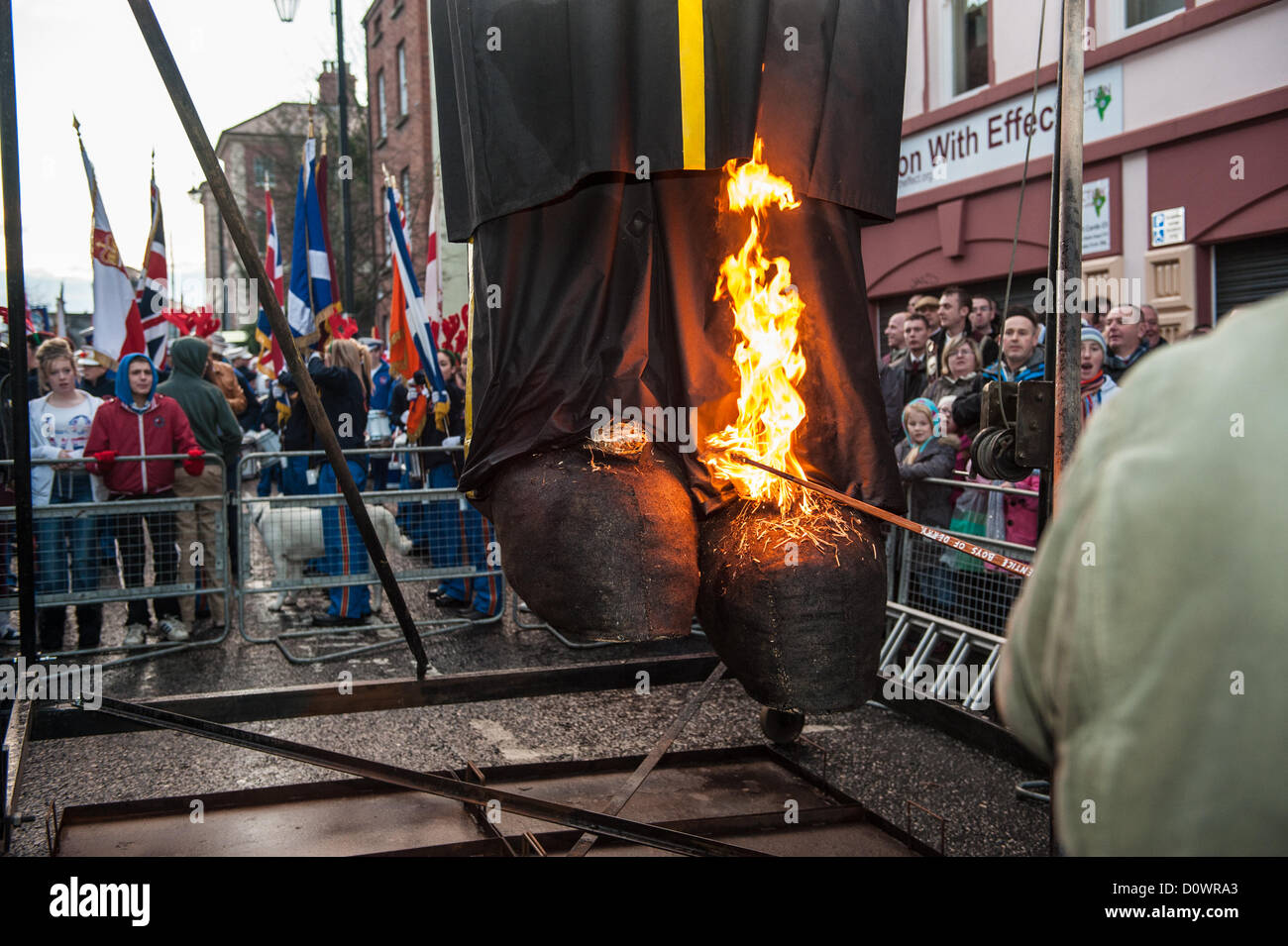 Londonderry, Northern Ireland, UK. 1st December 2012. The feet of the Lundy effigy being set alight. Stock Photo