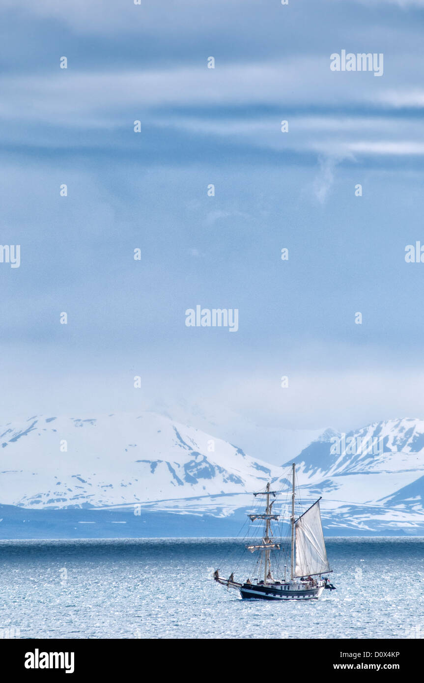 Sailing Ship in the Isfjorden, Spitsbergen, Svalbard, Norway - Stock Image