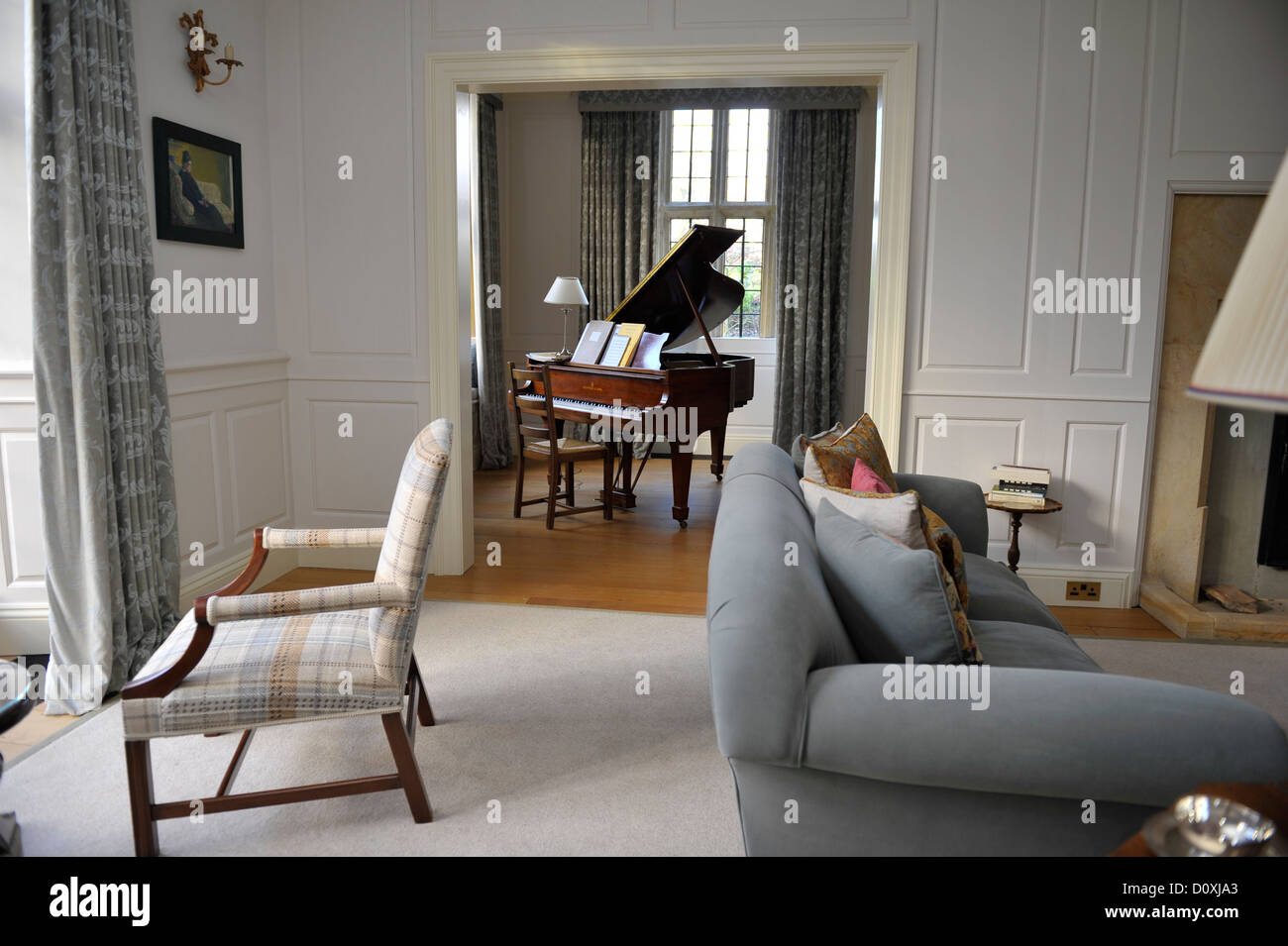 Terrific Lounge In Country House Uk With Baby Grand Piano In The Short Links Chair Design For Home Short Linksinfo
