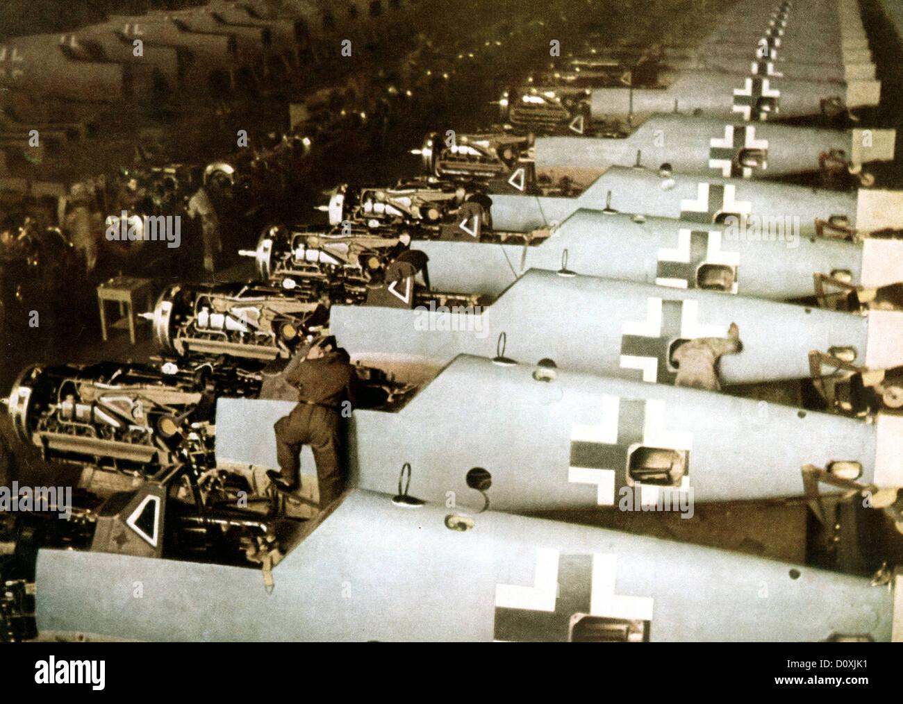 Messerschmitt, Bf 109, Workers, assembly line, airplane, Augsburg, Luftwaffe, World War II, Germany, 1943, factory - Stock Image