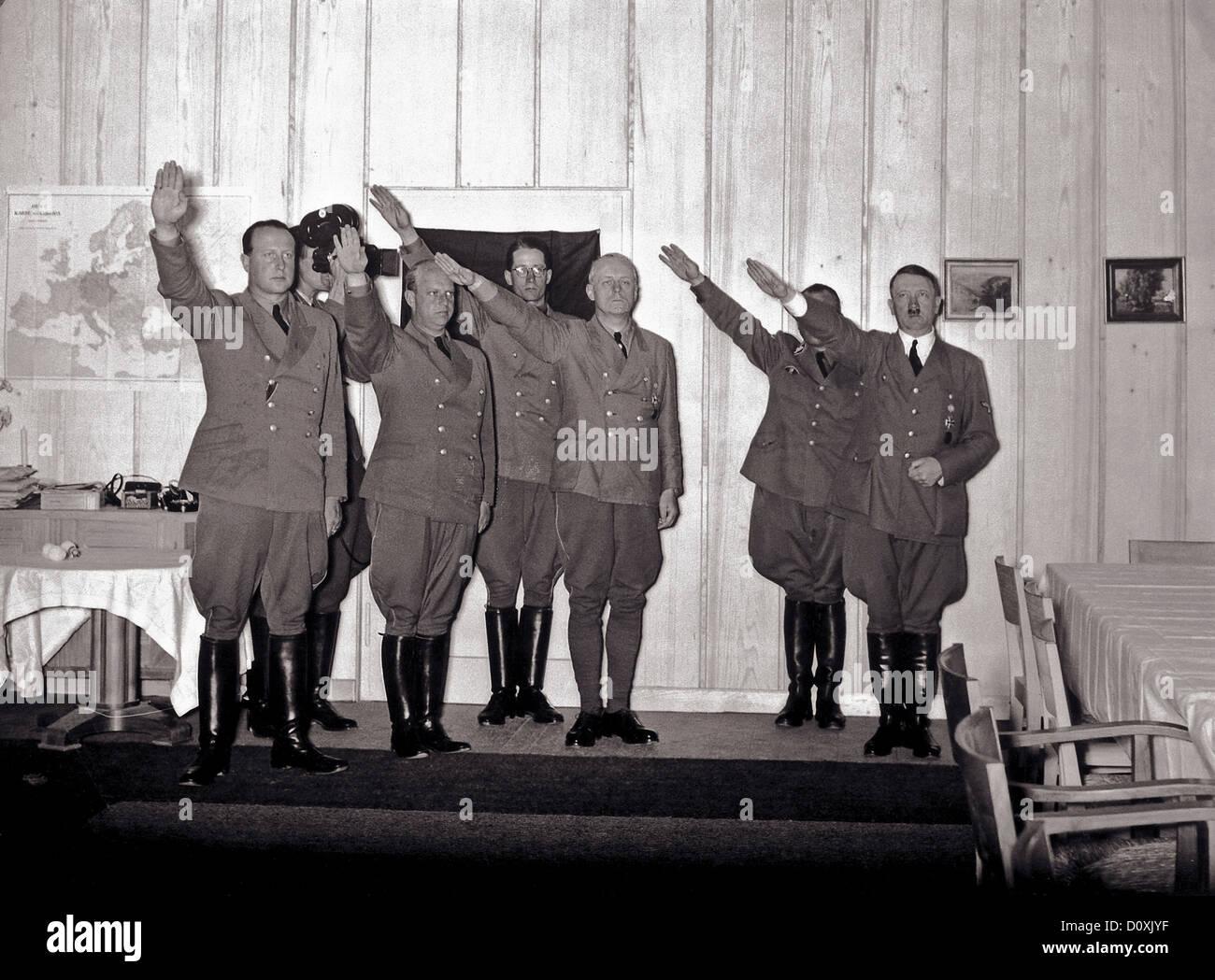 Adolf Hitler, visitors, Berghof, presenting, Nazi, Hitler, salute, Heil Hitler, Fuehrer, Berchtesgaden, Germany, - Stock Image