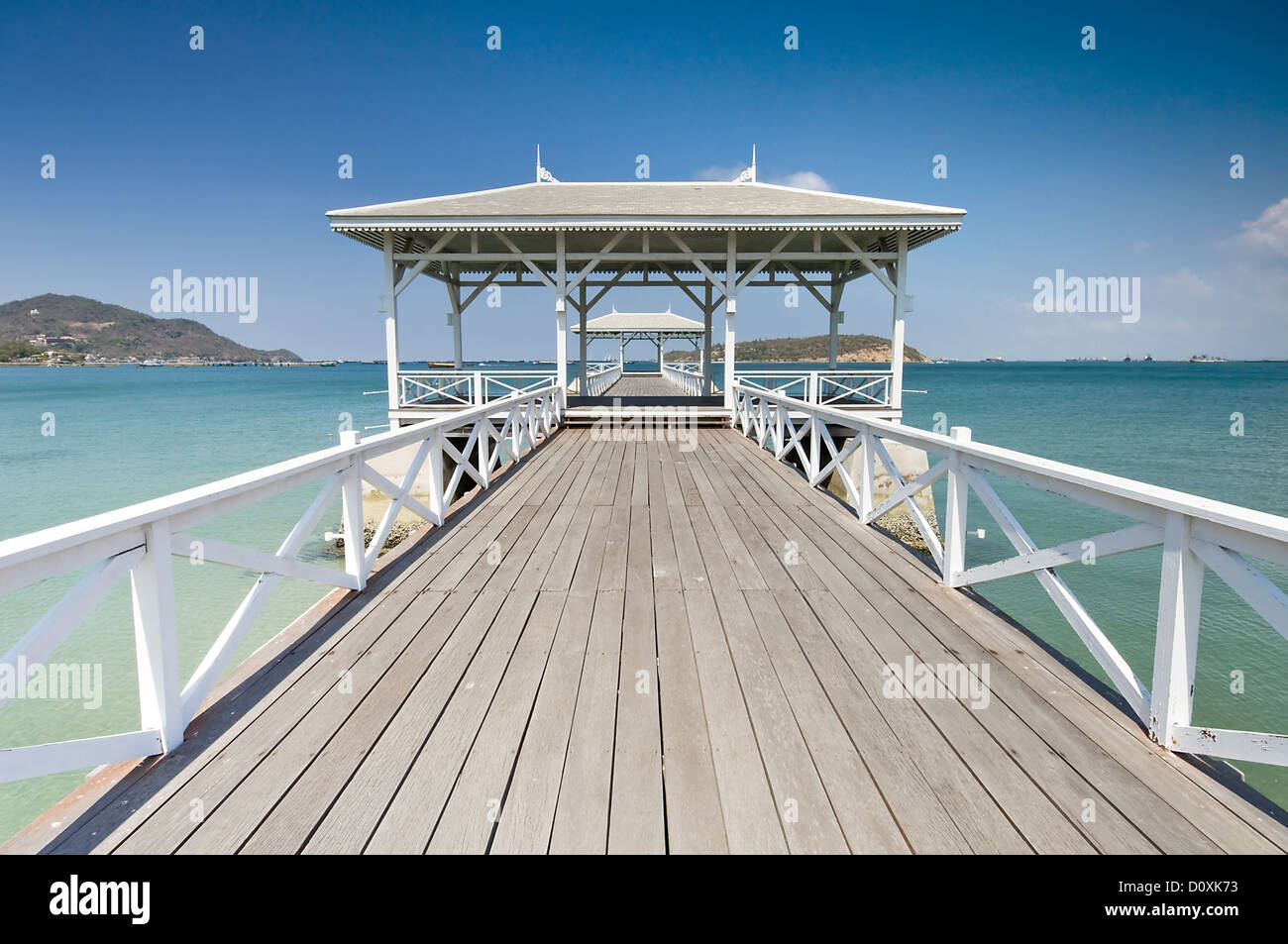 Beautiful wooden pier in Ko Si Chang island - Stock Image