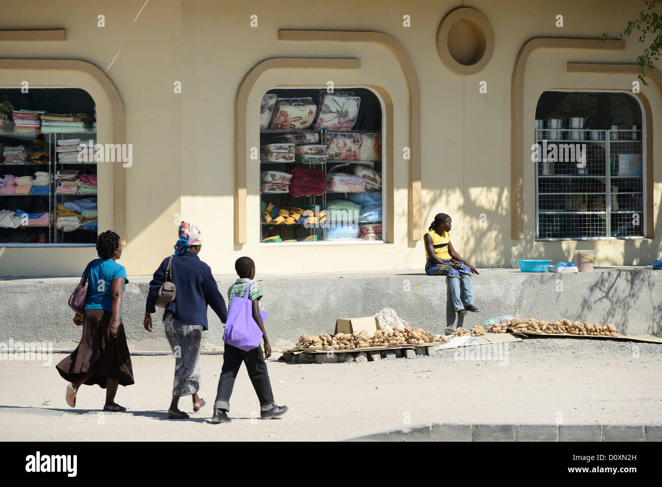 Africa, Namibia, Caprivi, building, people, market, - Stock Image