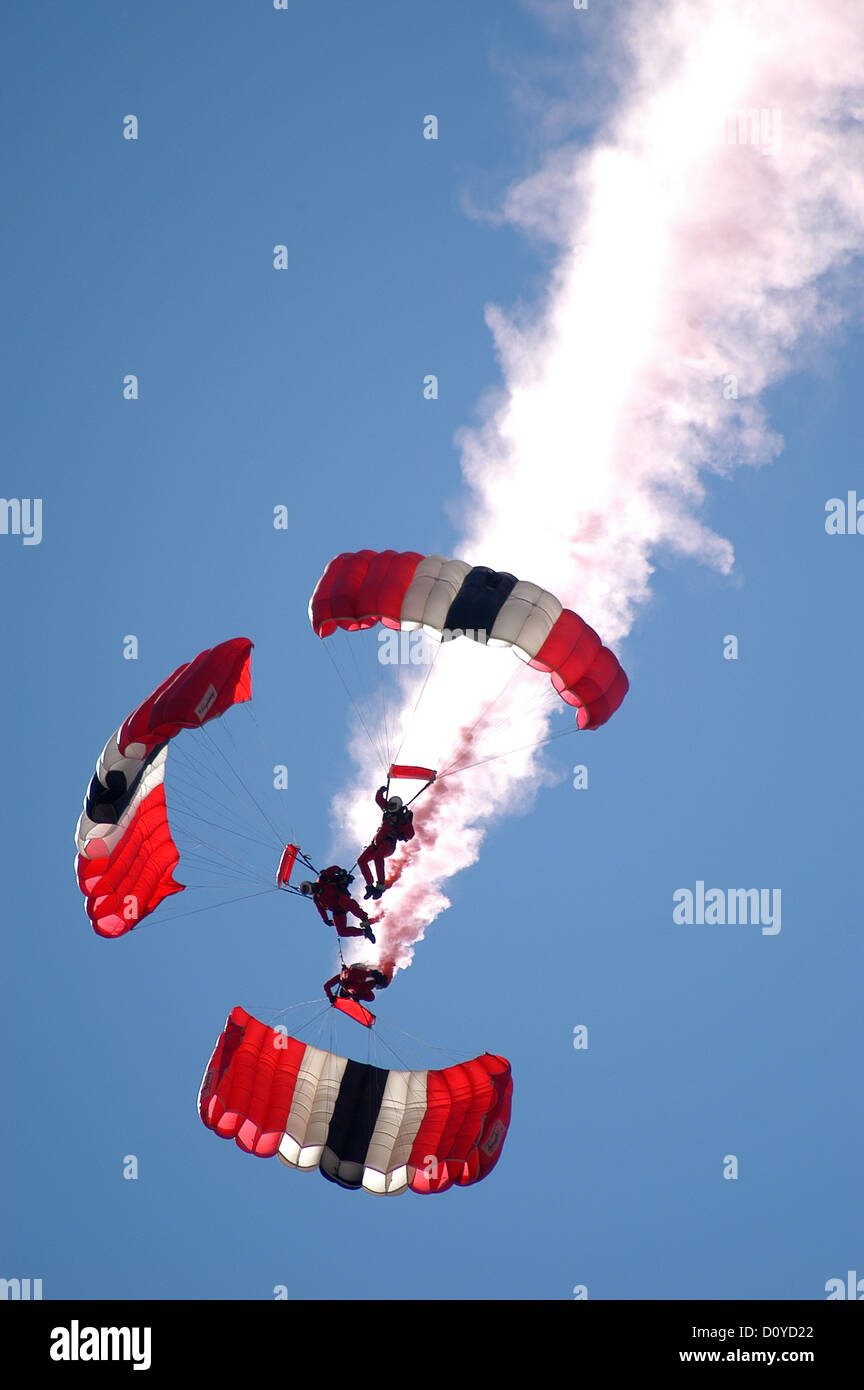 Red Devils Parachuting - Stock Image