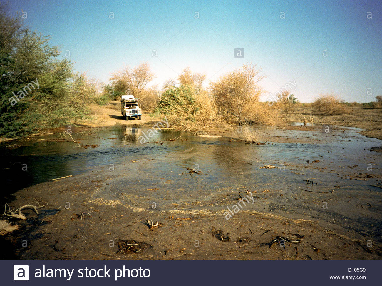 lake chad african africa africans land rover safa - Stock Image