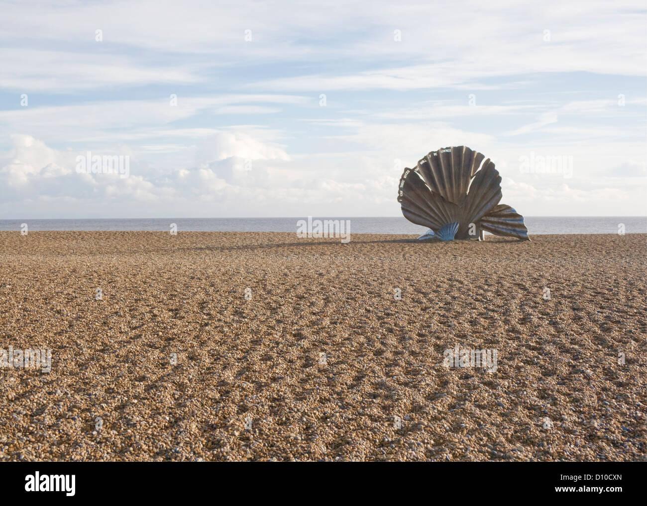 Maggi Hambling's sculpture 'Scallop' on Aldeburgh beach in Suffolk, England. - Stock Image