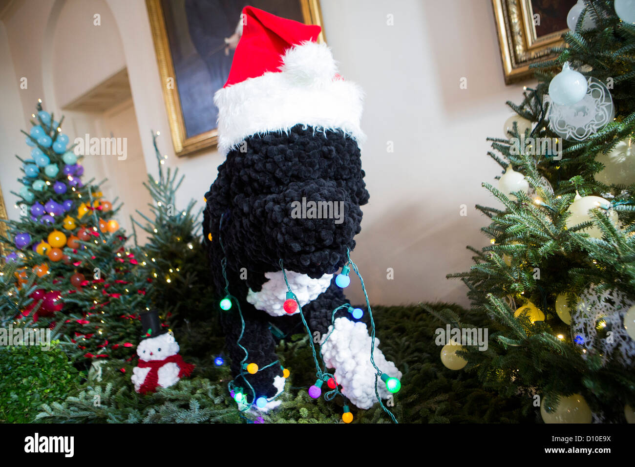 The 2012 White House Christmas decorations. A model of Bo. - Stock Image