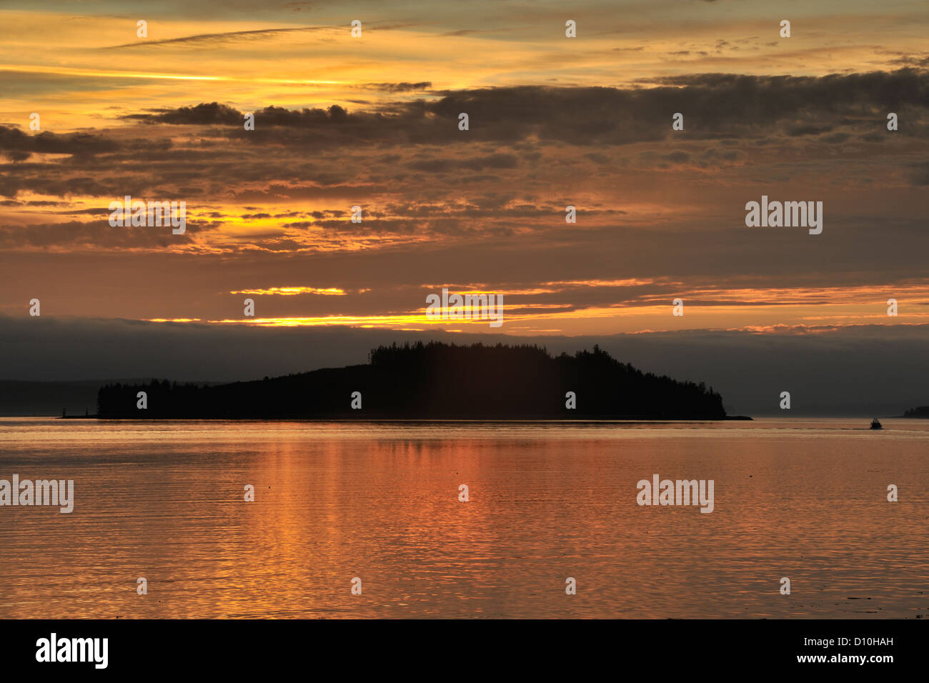 Dawn skies over Haddington Island, Port McNeil, British Columbia BC, Canada - Stock Image