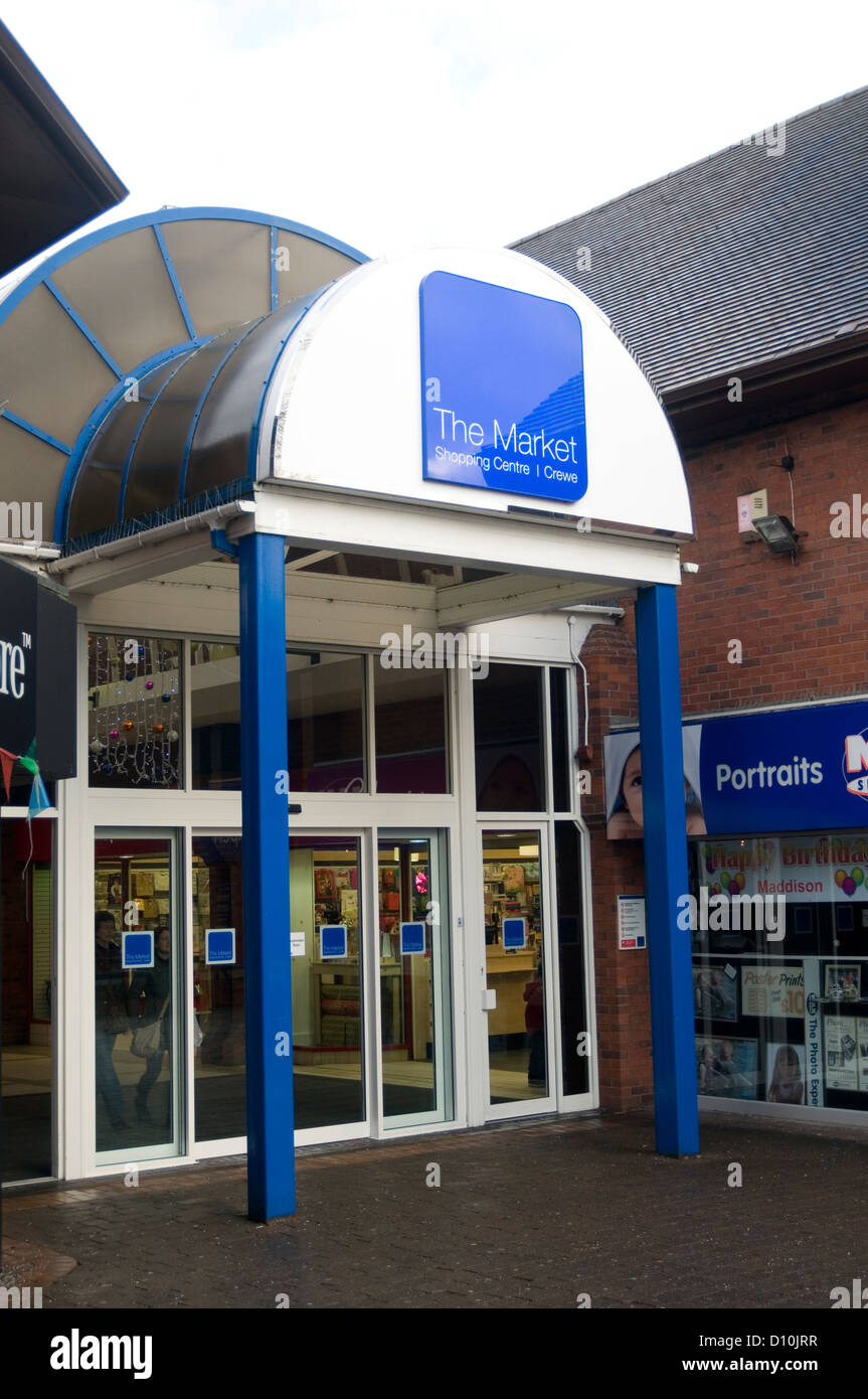 the market shopping center crewe uk centre shops retail retailing high street town towns - Stock Image
