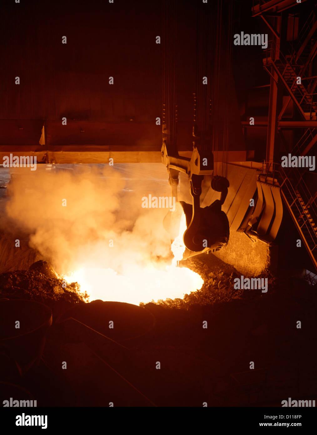 Crucible Steel Stock Photos & Crucible Steel Stock Images - Alamy