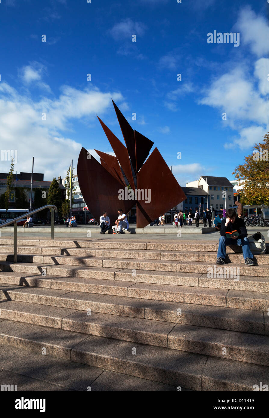 The Quincentennial 'Sails' Sculpture in Eyre Square by Derry born sculpture Éamonn O'Doherty, Galway - Stock Image