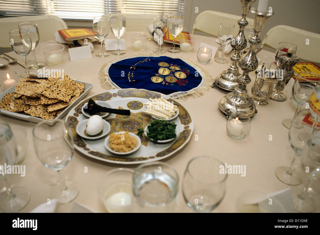 1990s TABLE SETTING FOR PASSOVER SEDER - Stock Image