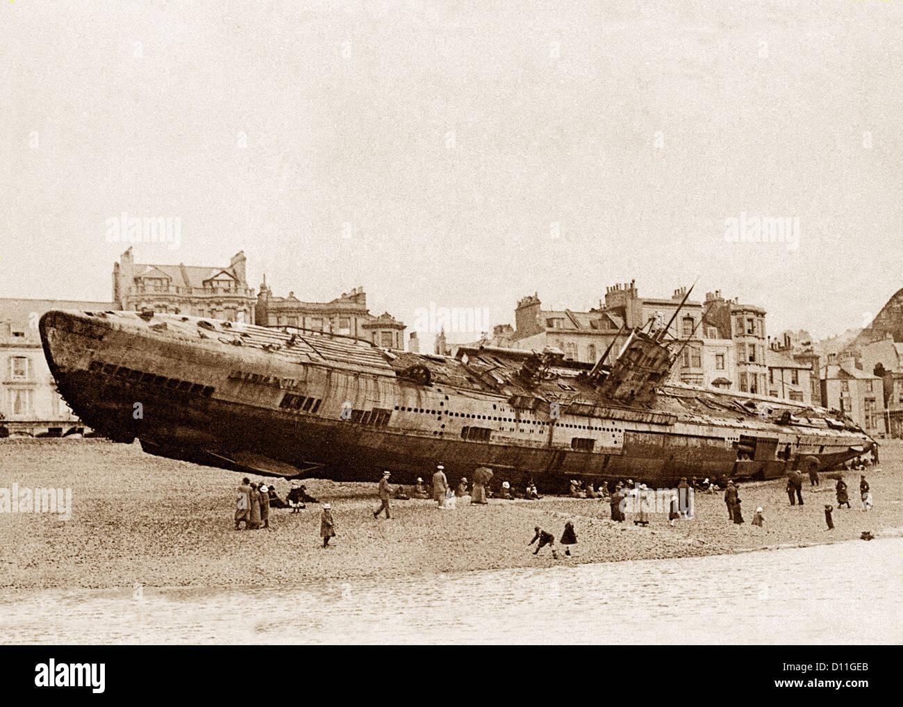 Hastings beach, German submarine, 15th April 1919 - Stock Image