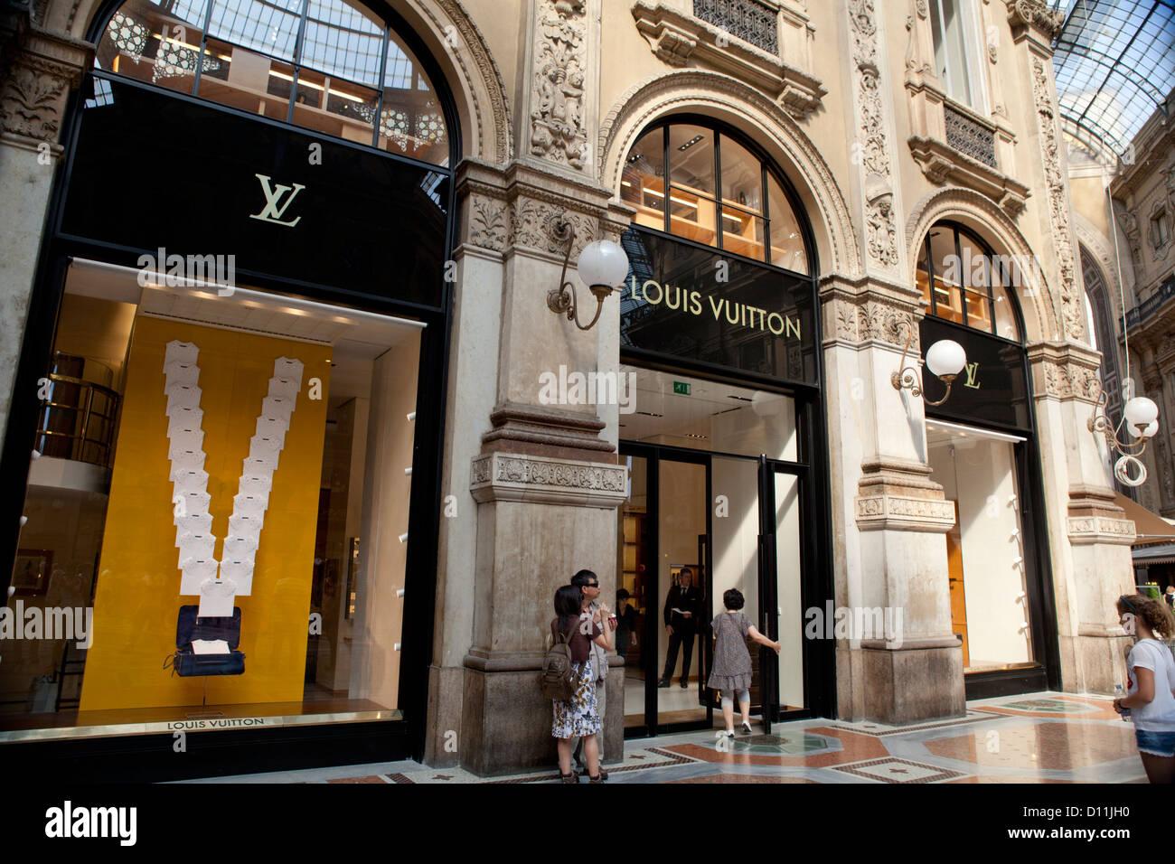 Lv Luis Vuitton Luxury Store In The Galleria Vittorio Emanuele Ii In
