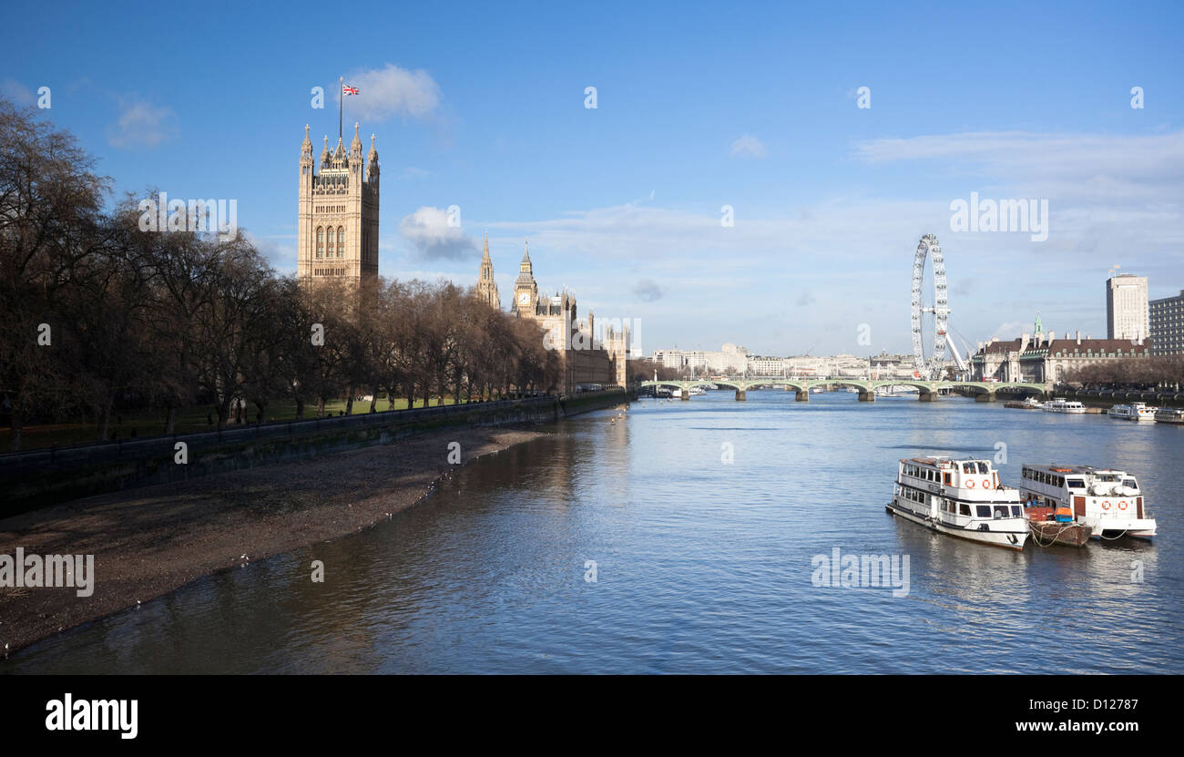 The River Thames and the Palace of Westminster, London, England, UK. - Stock Image