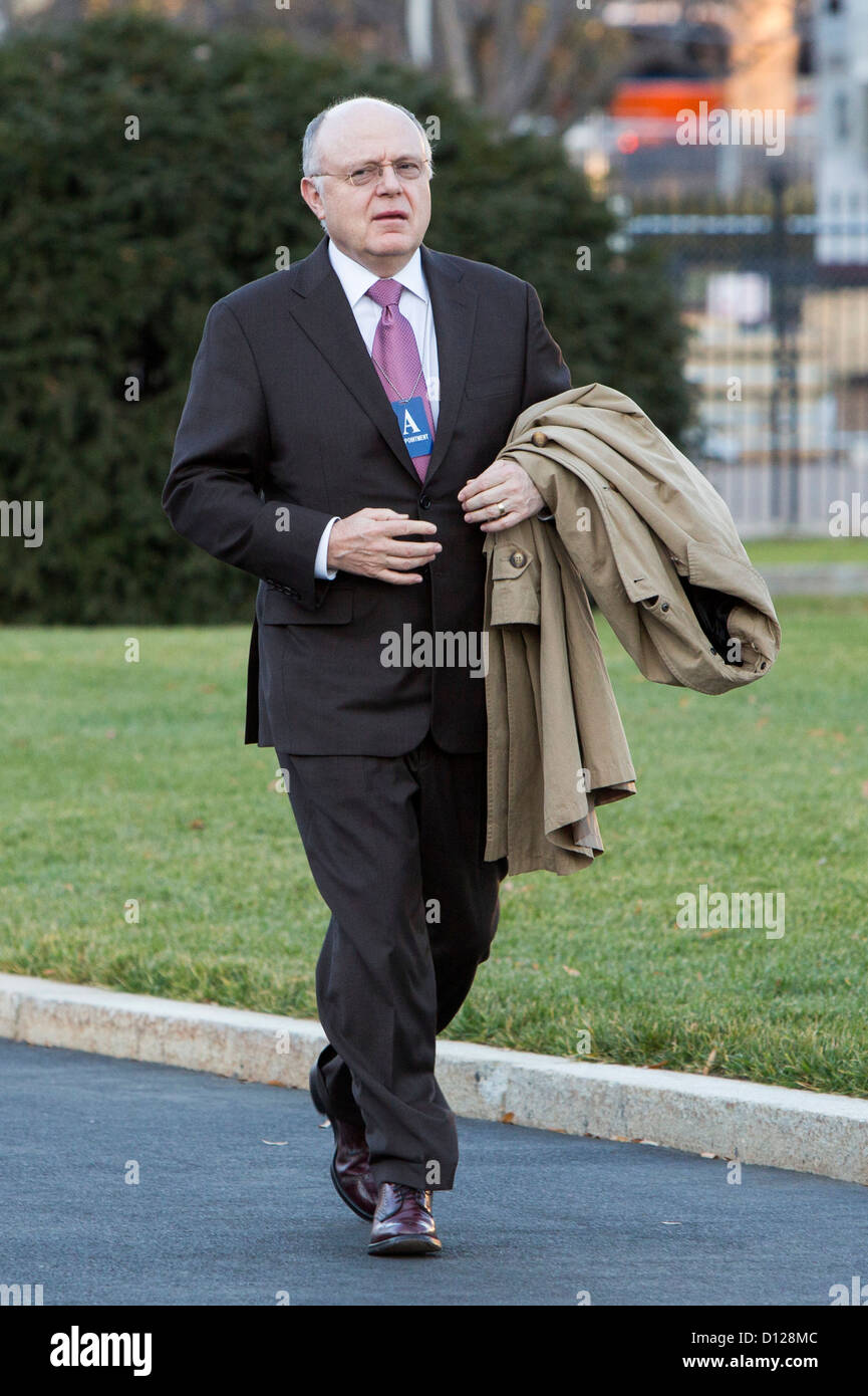 Ian Read, Chairman and CEO of Pfizer arrives at the White House. - Stock Image