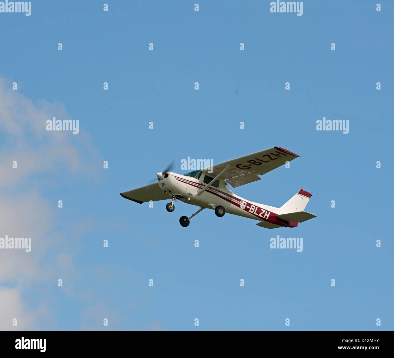 Cessna 152. II Light private civil aeroplane.  SCO 8848 - Stock Image