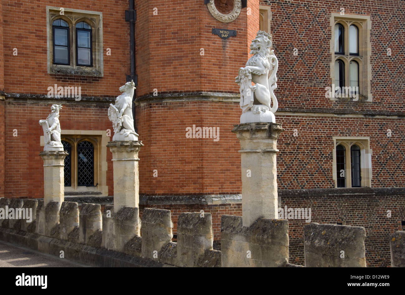 SURREY; HAMPTON COURT PALACE; THREE OF THE KING\'S BEASTS OUTSIDE THE ...