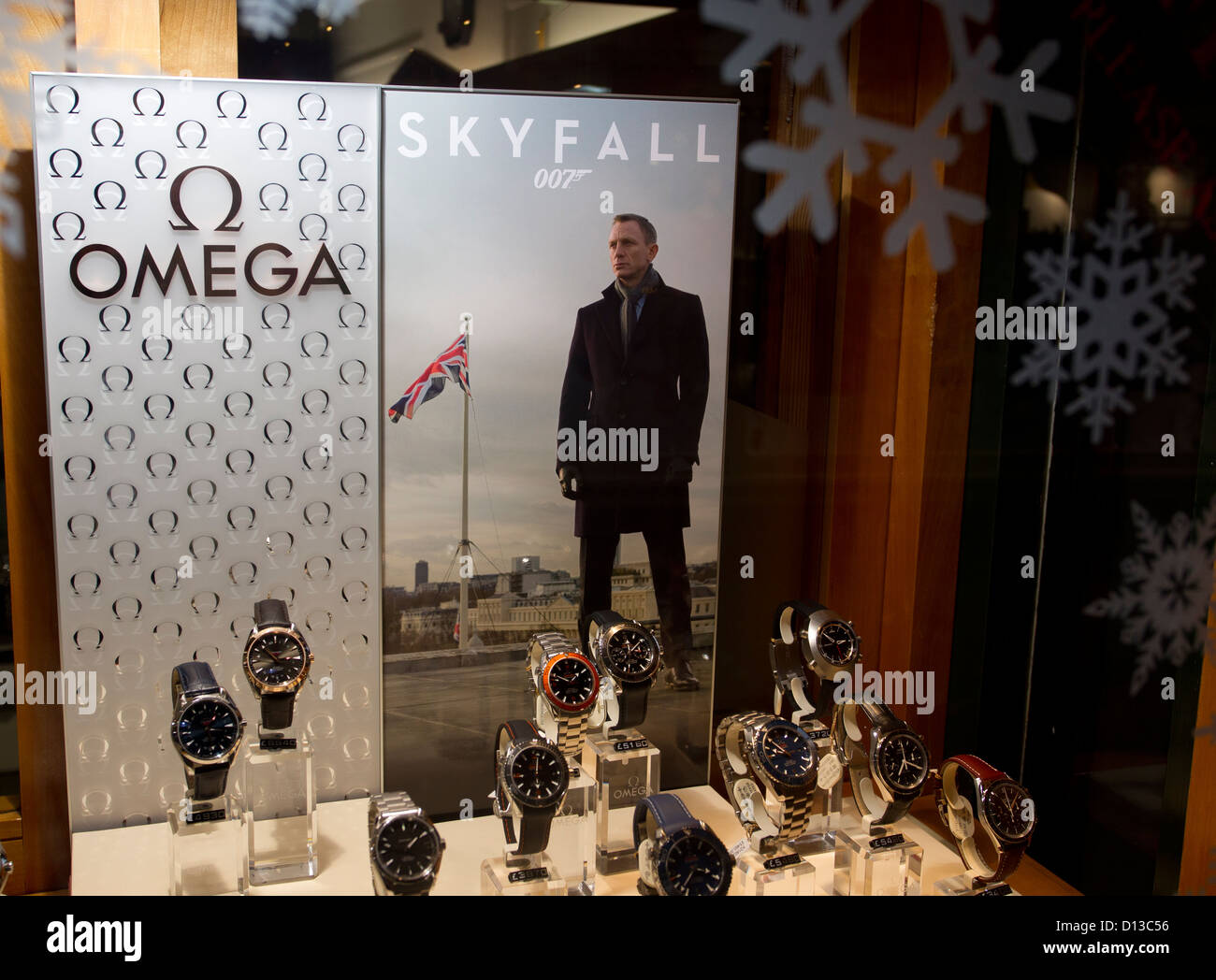 1c2a26d97ce Skyfall 007 James Bond Omega mens watches shop window display showing  Daniel Craig - Stock Image
