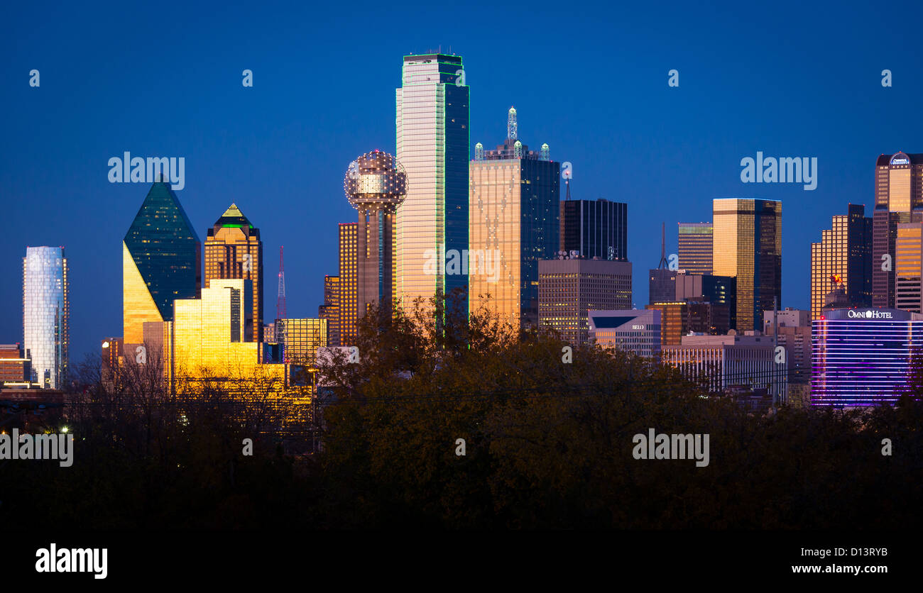 Dallas downtown skyline at sunset - Stock Image