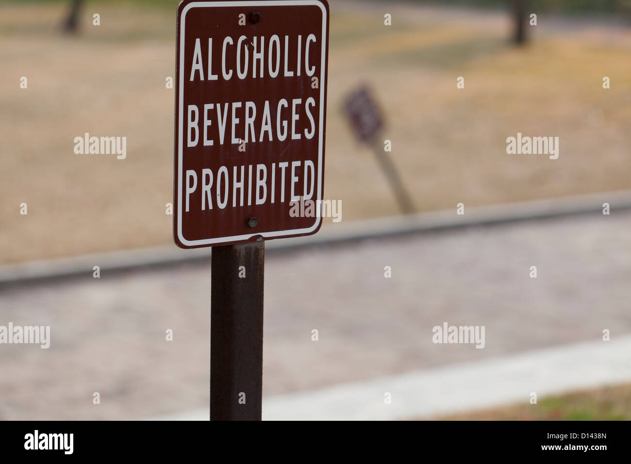 Alcoholic beverages prohibited sign - Stock Image
