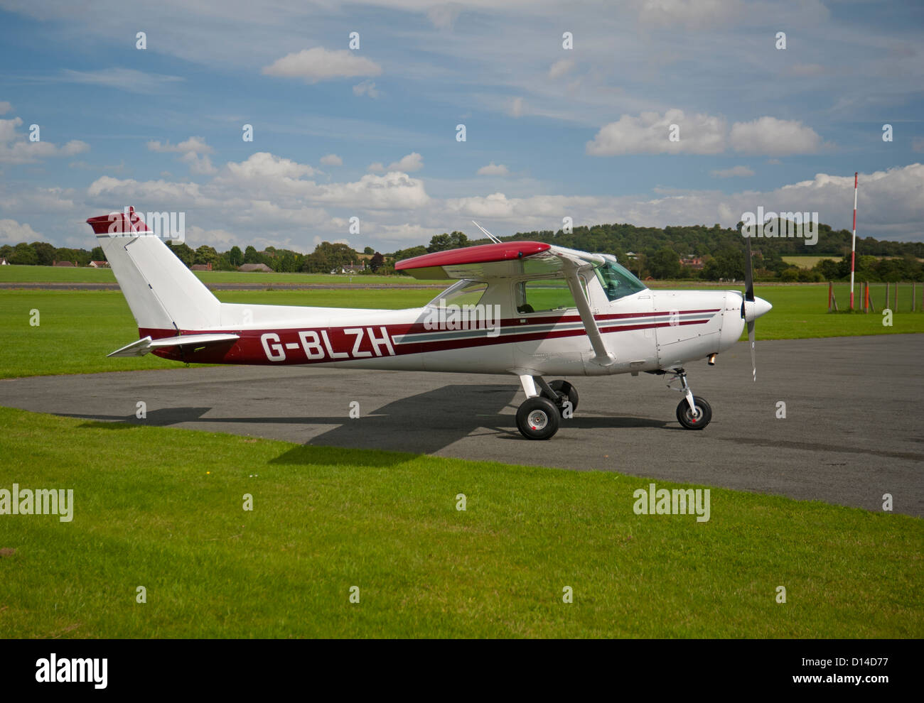 Cessna 152. II Light private civil aeroplane.  SCO 8861 - Stock Image
