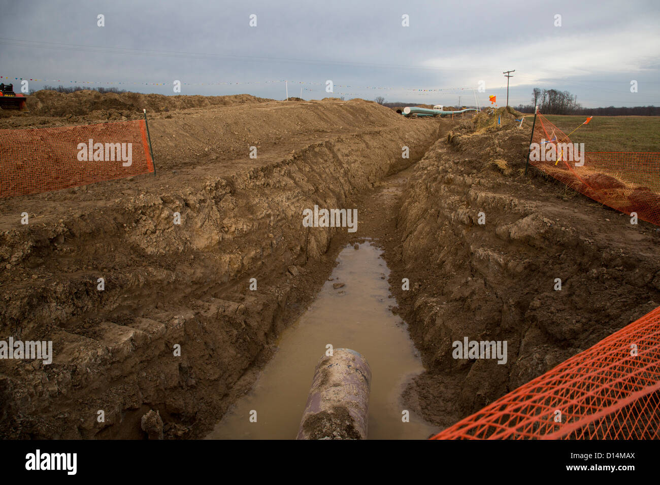 Construction of oil pipeline to replace line that spilled tar sands oil into the Kalamazoo River in 2010. - Stock Image