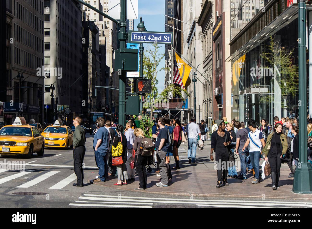 Street scene East 42nd Street, Mitwon Manhattan, New York City - Stock Image