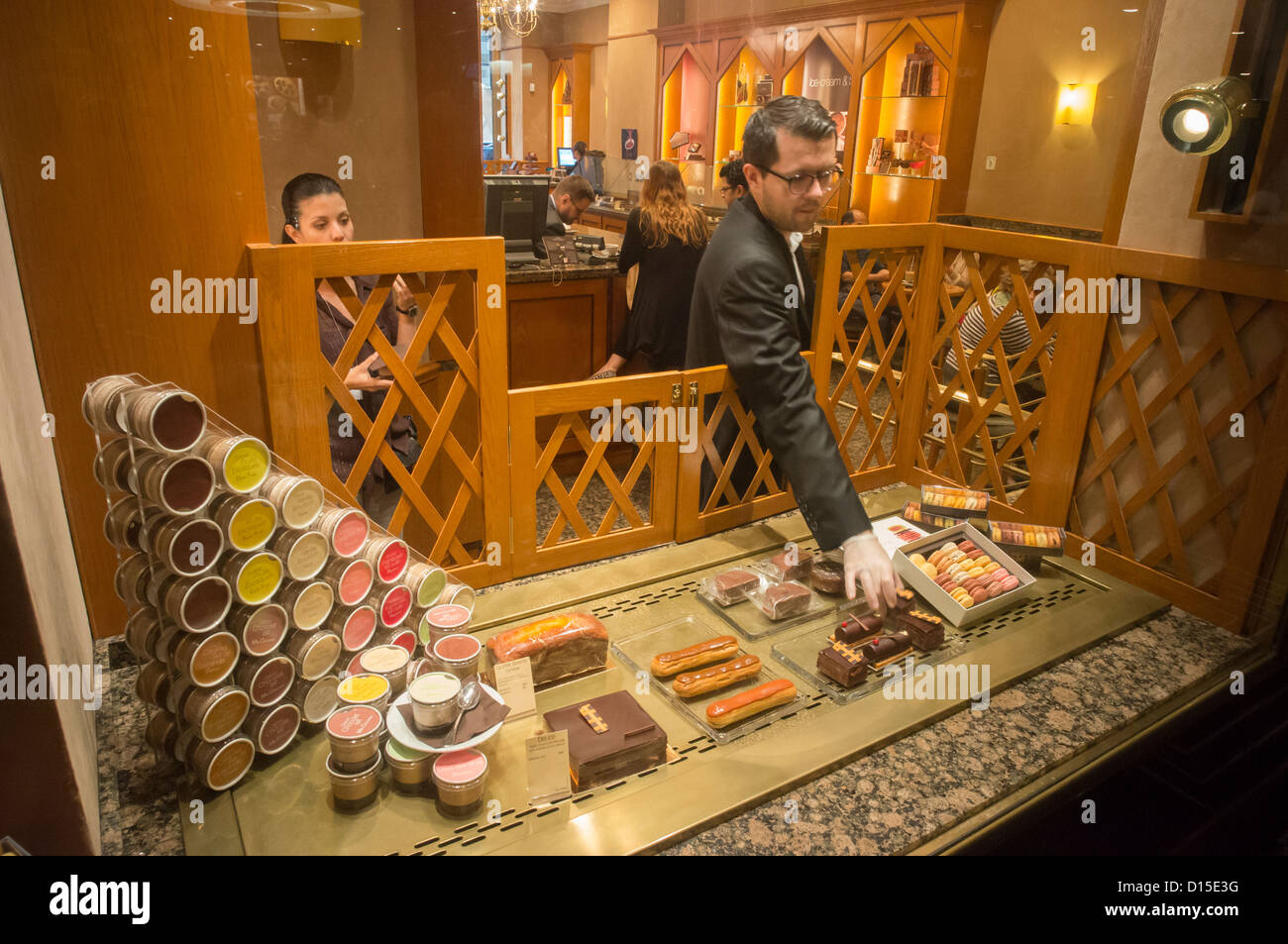 Godiva Belgian Chocolatier, Rockefeller Center, Midtown Manhattan , New york - Stock Image