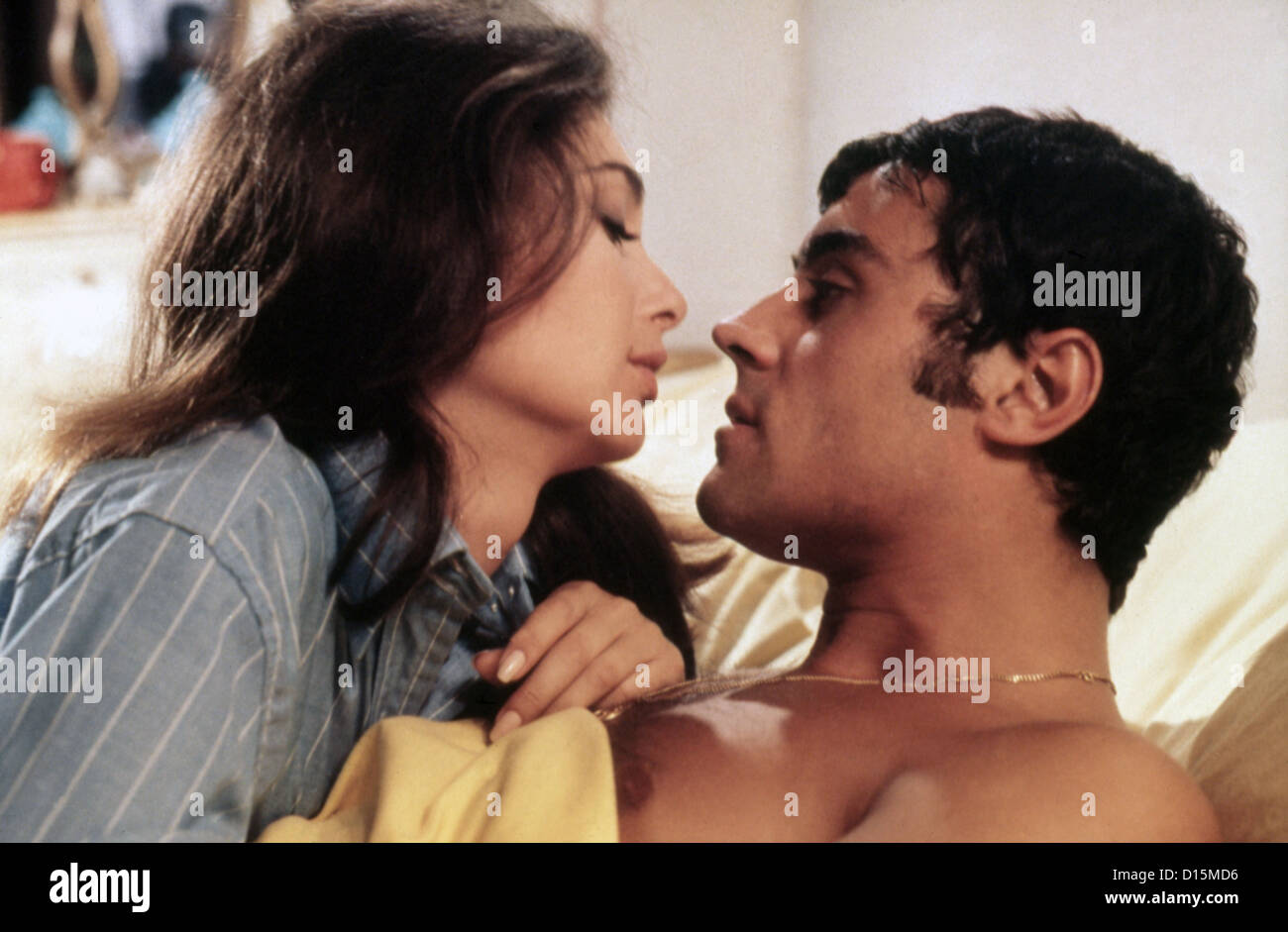 IF ITS TUESDAY IT MUST BE BELGIUM (1969) SUZANNE PLESHETTE, IAN MCSHANE, MEL STUART (DIR) ITTB 002 MOVIESTORE COLLECTION Stock Photo