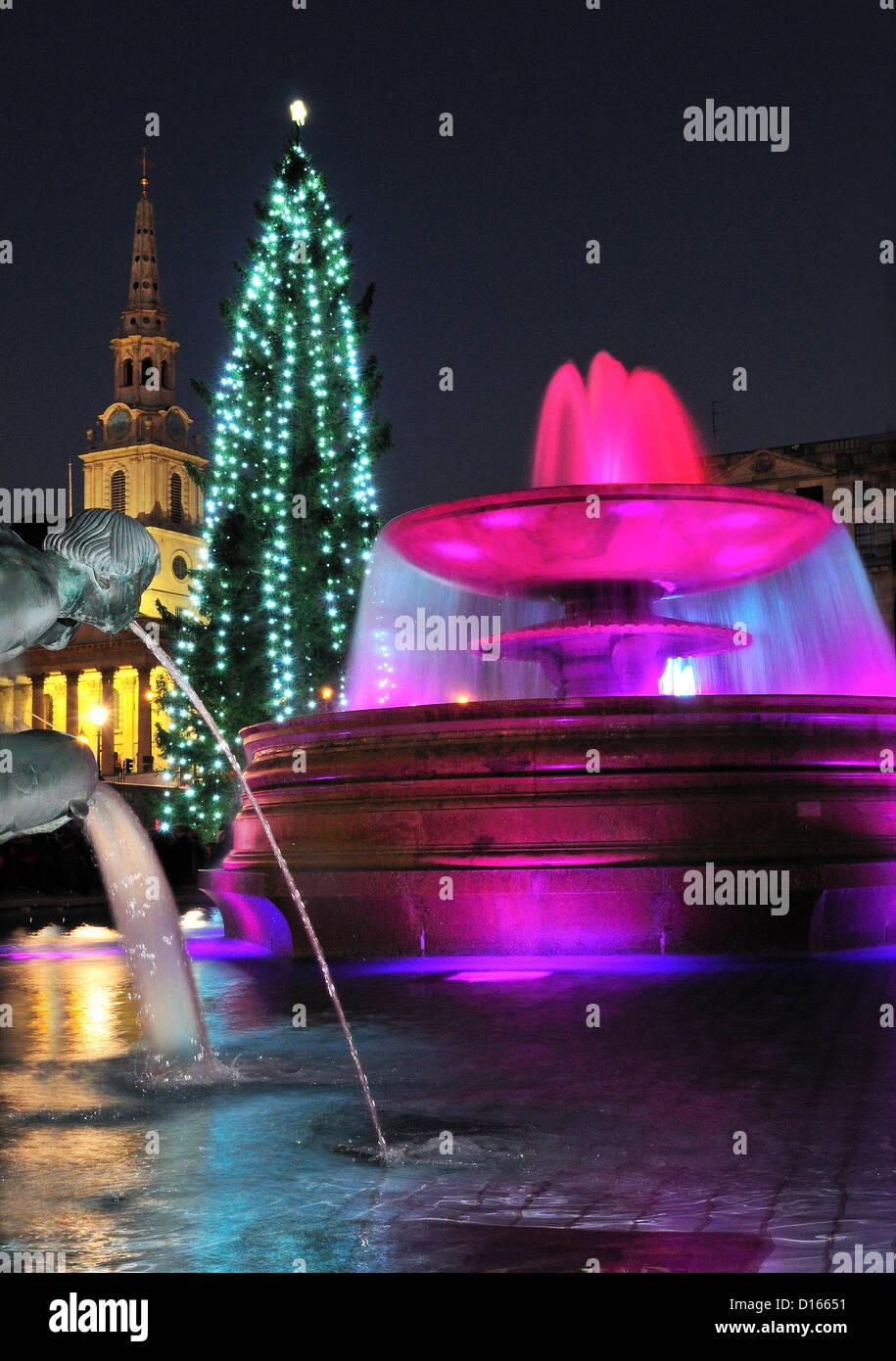 Trafalgar Square  London UK 8-12-2012 The Mayor of London saluted the gamesmakers, Team London ambassadors and travel - Stock Image