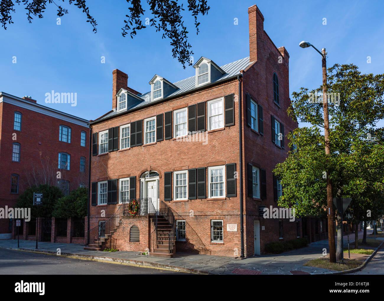 The historic Isiah Davenport House on East State Street, Columbia Square, Savannah, Georgia, USA - Stock Image
