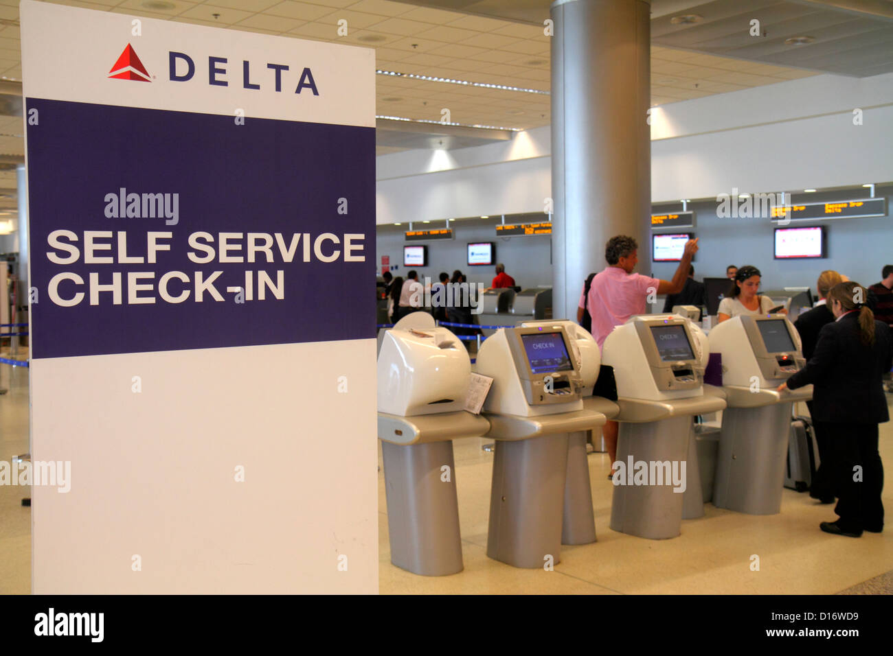 Delta Airlines Terminal Stock Photos Amp Delta Airlines