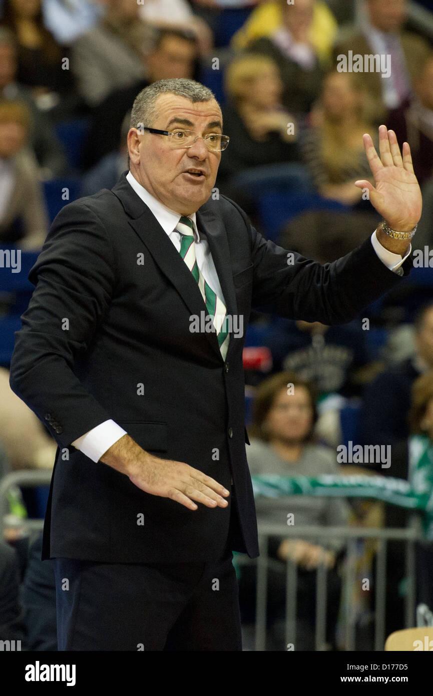 Malaga's head coach Jasmin Repesa gestures during the basketball Euroleague 9th match day match Alba Berlin - Stock Image