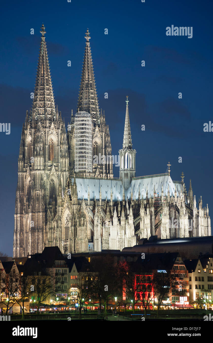Night floodlit view of Cologne Cathedral in Germany - Stock Image