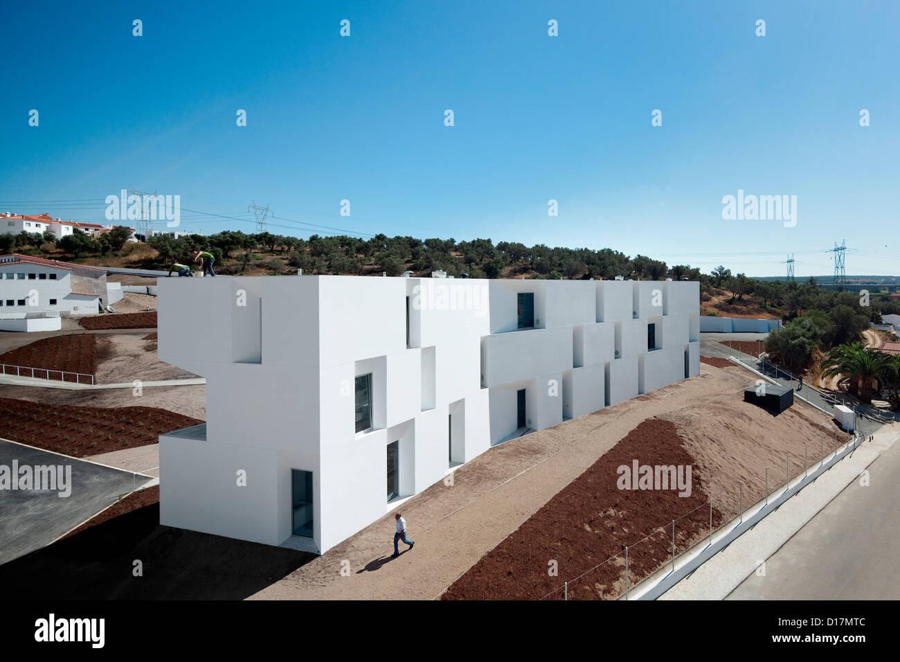Дом престарелых португалия кружки в домах интернатах для престарелых